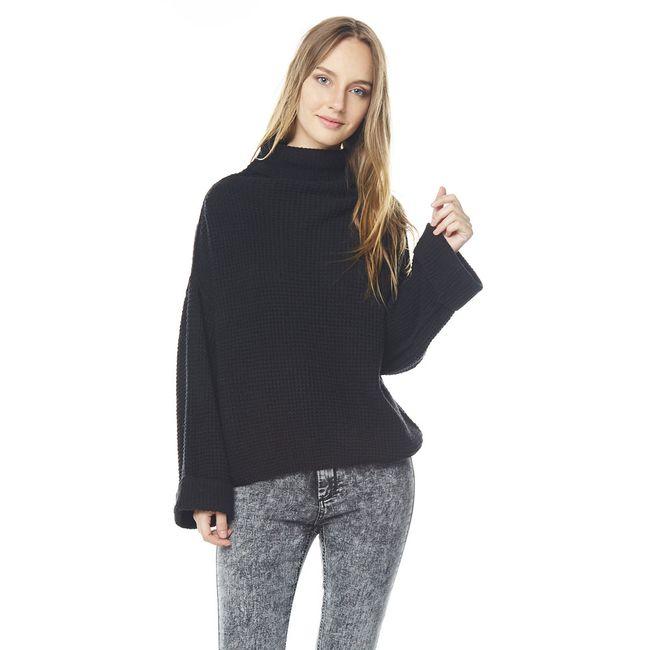 Sweater-Cuello-Tortuga-Cuadrado-Negro